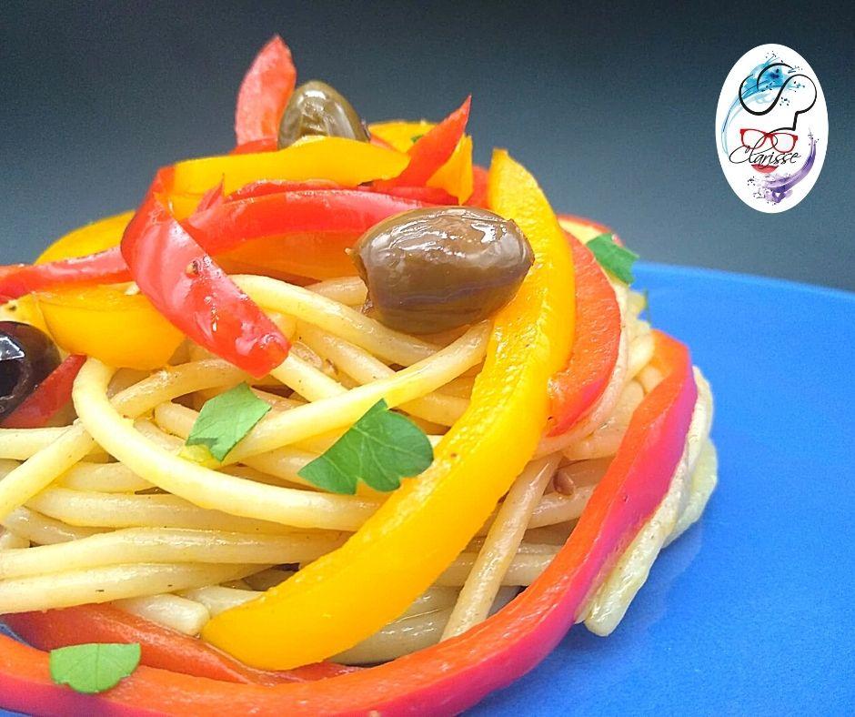 Goma, spaghetti, peperoni, olive, prezzemolo, africa, piatto fresco e delicato, vegan, vegetariano, verdure, primo piatto,